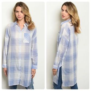 ❤️2 for $40 fun oversized blue and white top